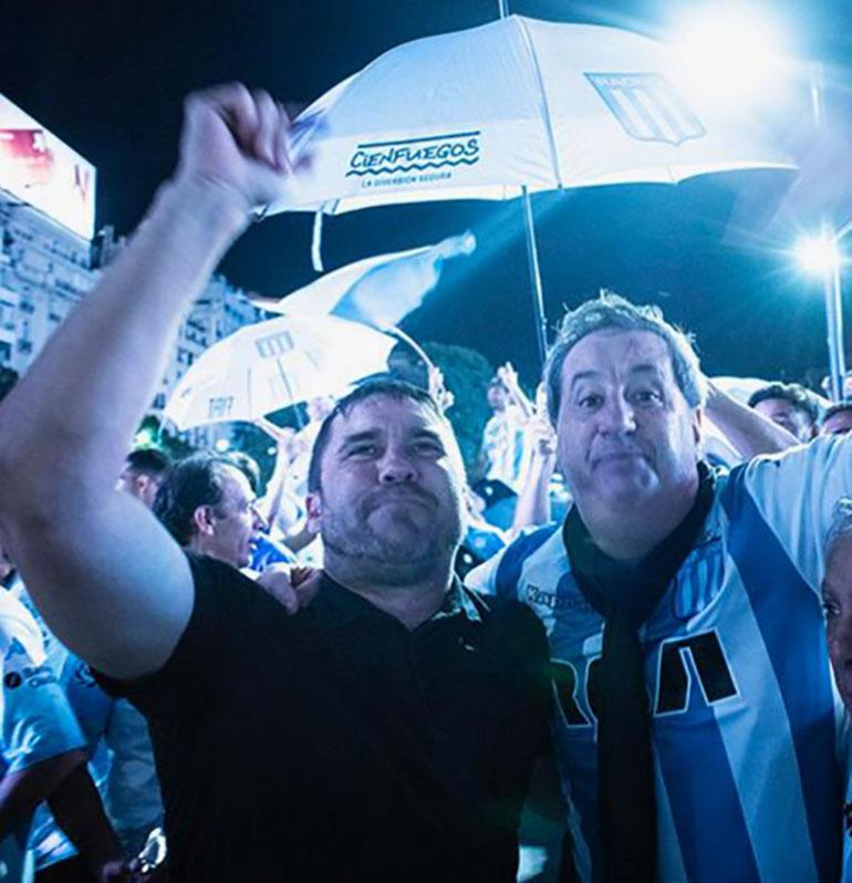 Coudet y Torres, unidos por la mítica bufanda del DT