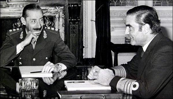 La relación entre Videla y Massera fue tensa desde el minuto uno de la junta, según la CIA. (Reuters)