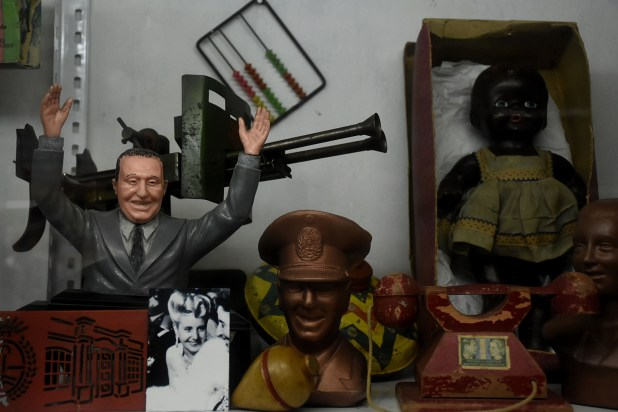 Entre 1947 y 1955, a través de la Fundación Eva Perón, más de 2 millones y medio de artículos infantiles llegaban en las fiestas de Navidad y Reyes no solo como un beneficio para las familias de la clase trabajadora, sino como un símbolo del proyecto justicialista (Nicolás Stulberg)