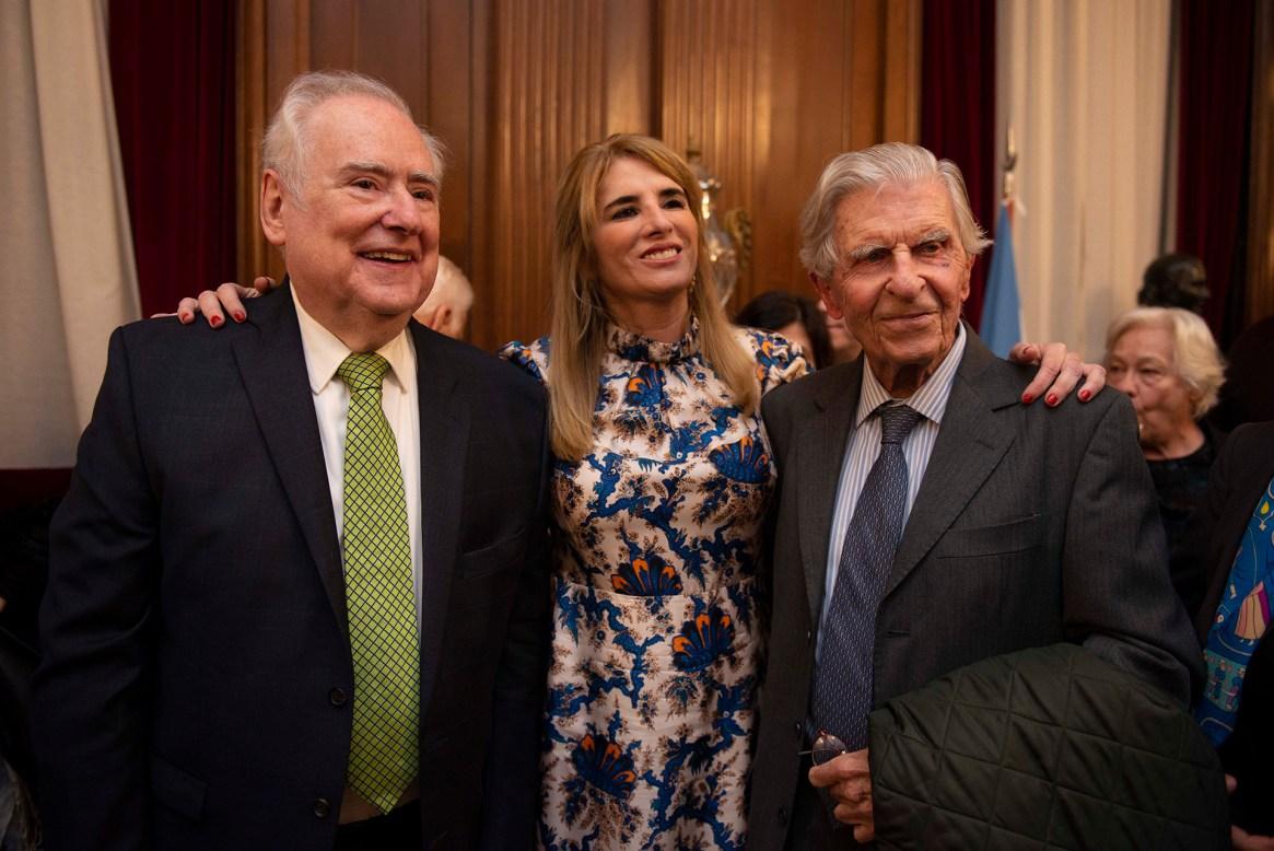 Vicente Gutiérrez Maxwell junto a Jaim Etcheverry y Paula Villalba