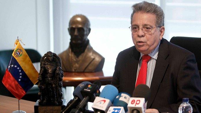 Resultado de imagen para Fotos de el embajador de Venezuela en Roma, Isaías Rodríguez,