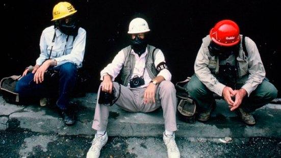 Cole, en el centro, durante las protestas de 1987 en Corea del Sur