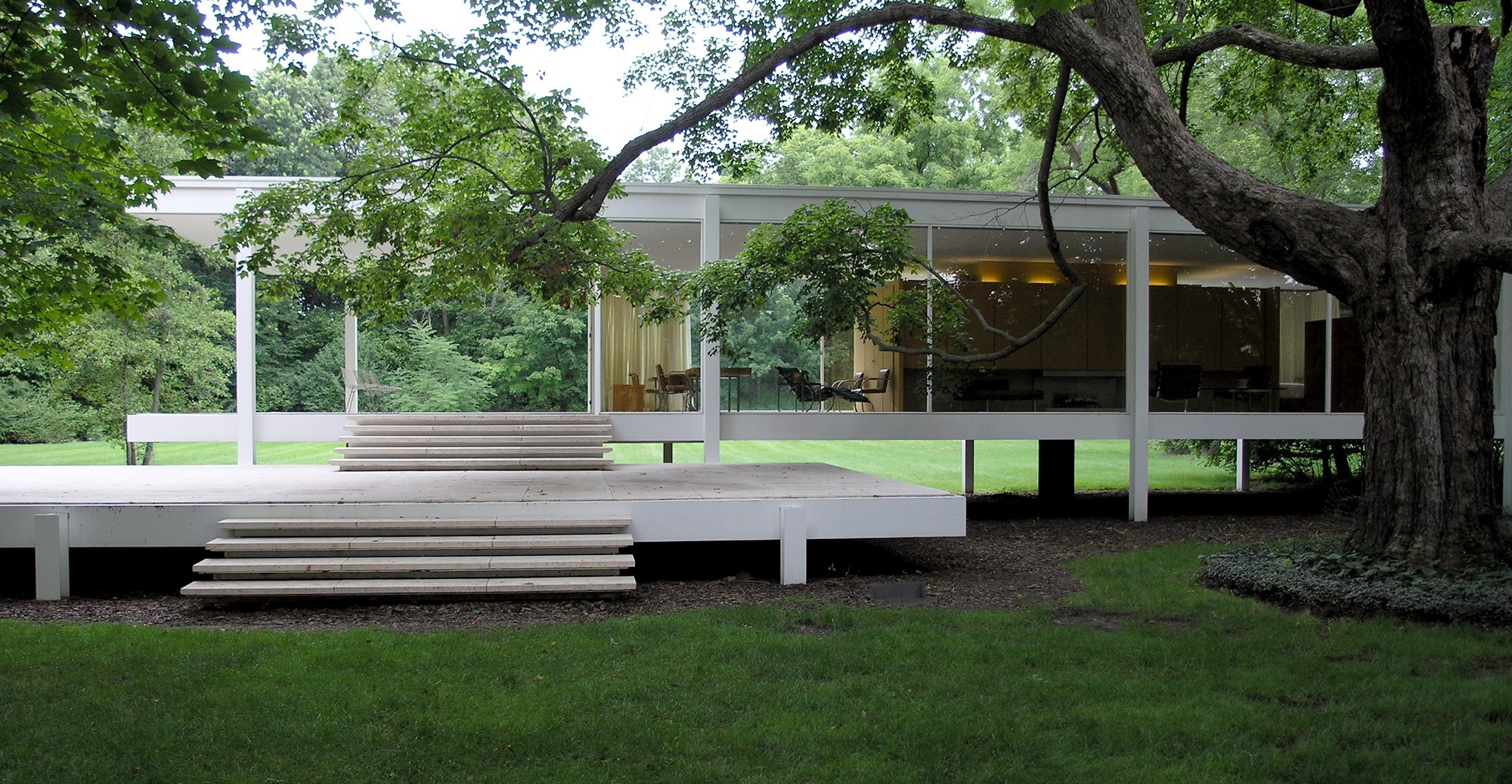 Farnsworth House by Bus  Tours  Chicago Architecture Center  CAC