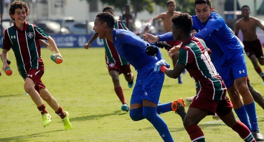 Resultado de imagem para Fluminense é campeão de torneio sub 13 no paraguai