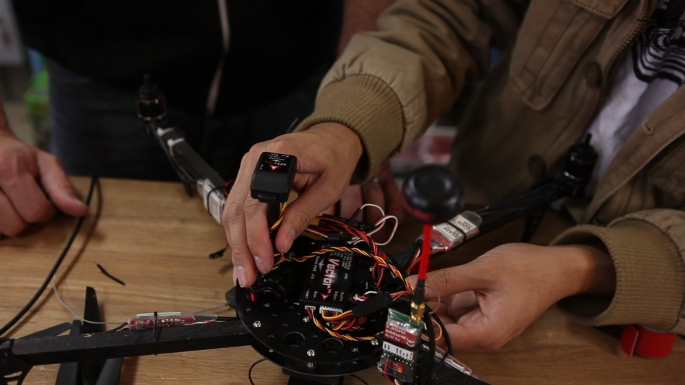 medium resolution of the vector system includes the base controller unit the gps magnetometer and the current sensor psu