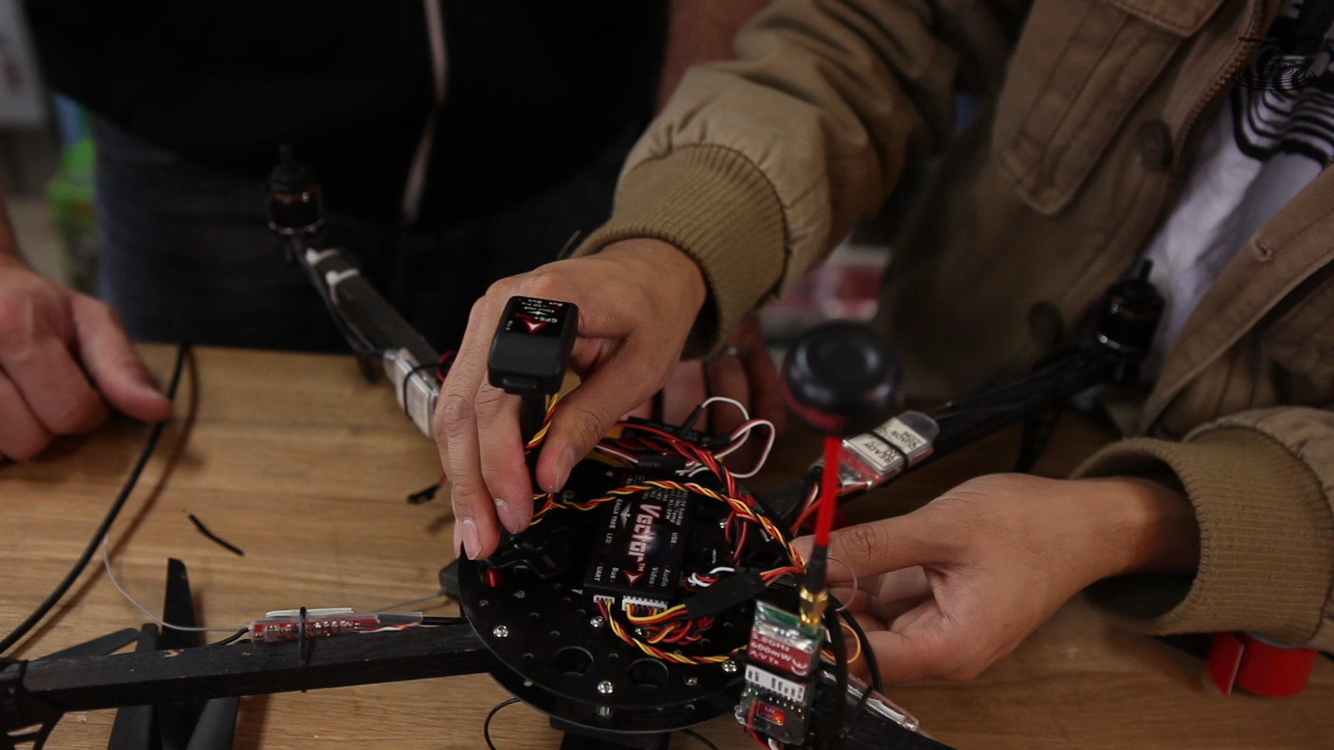 hight resolution of the vector system includes the base controller unit the gps magnetometer and the current sensor psu