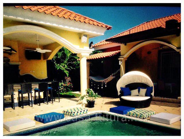 Bella Casa de Playa Amueblada con Piscina y Jacuzzi en Tela Atlantida