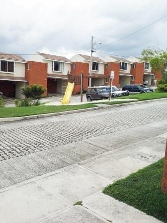 Venta de casa en Villas de Pinares San Cristbal