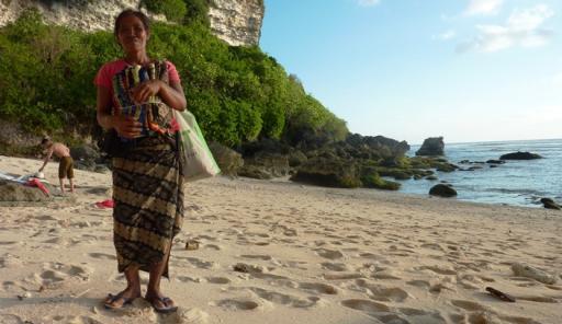 Massage on Uluwatu Beach  Foto  Kimmie in Wonderland