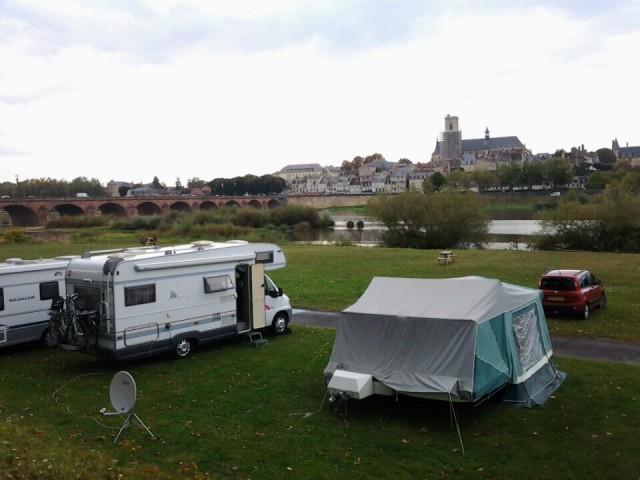 onze slaapplek voor de komende 2 nachten in Nevers  Foto