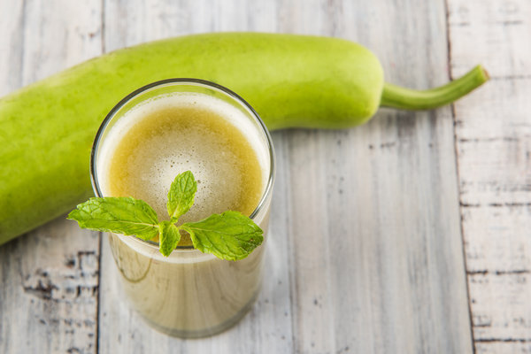 Bottle Gourd Benefits (Lauki, Calabash), Juice, Recipes, How
