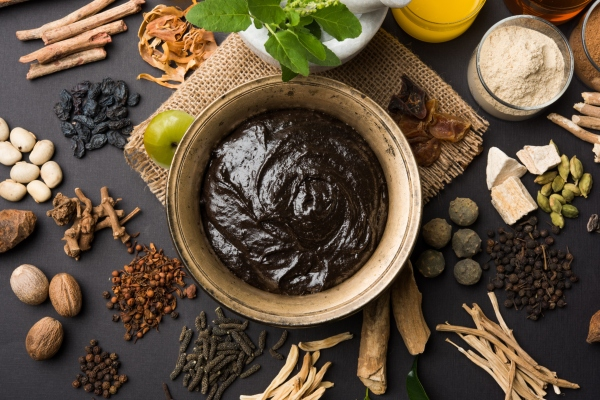 Chyavanprash Benefits, Ingredients + How To Take Chyawanprash - The