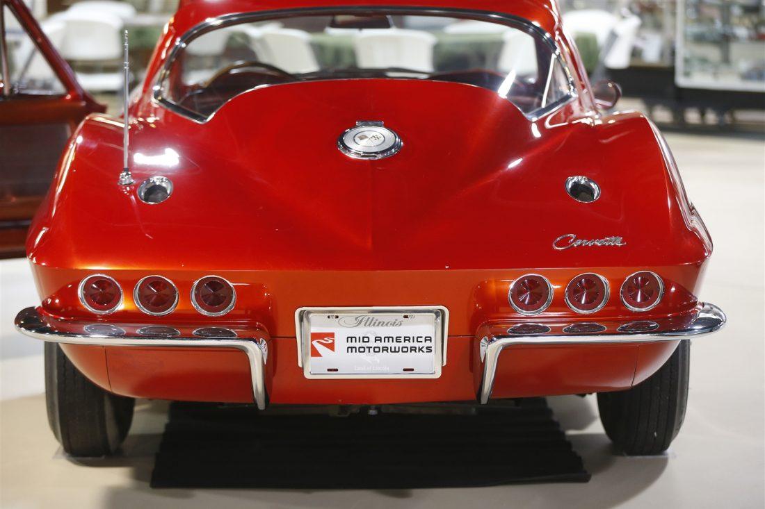 pierce arrow museum scores a coup with 6 3 million donation of classic corvettes corvette. Black Bedroom Furniture Sets. Home Design Ideas