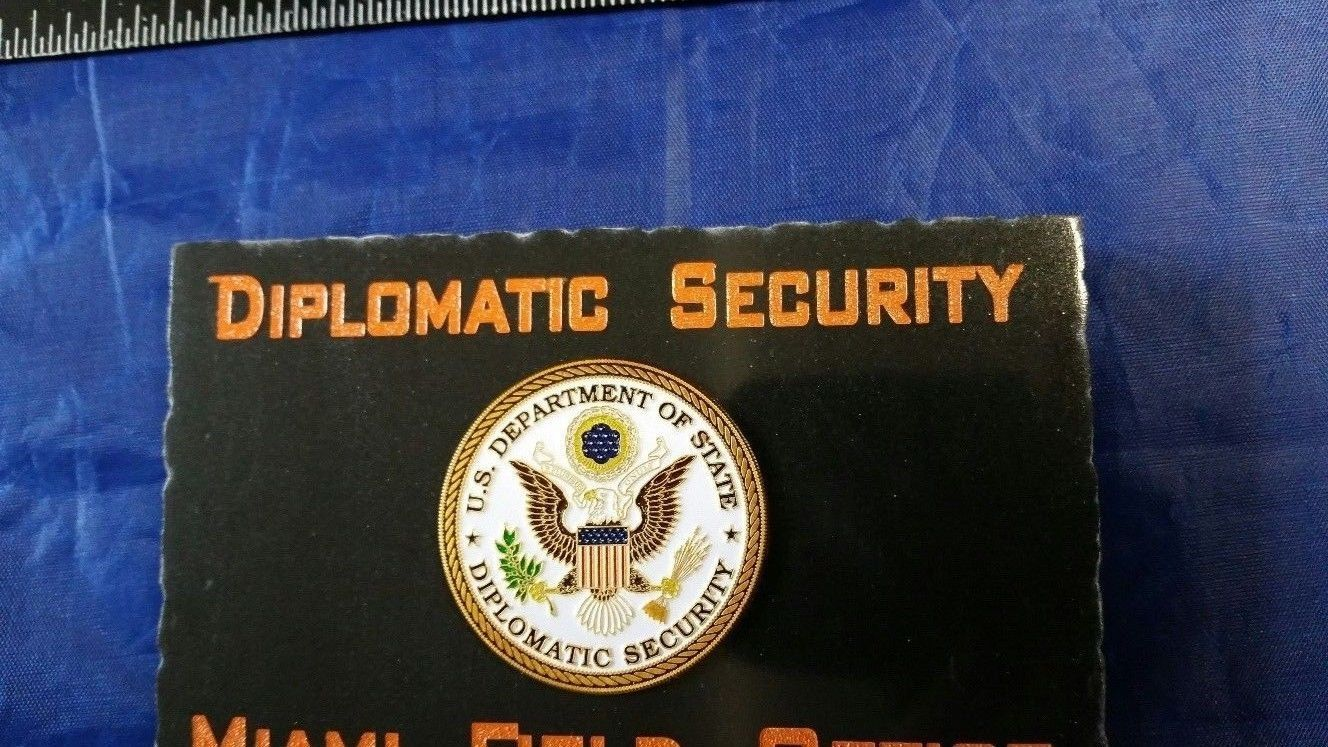 Diplomatic Wallpaper Security Service