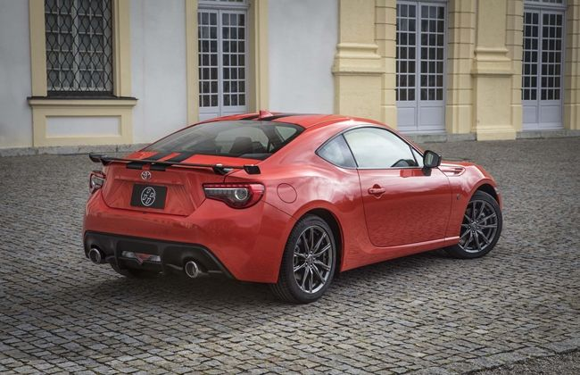 2017-Toyota-86-860-Special-Edition-rear-three-quarter