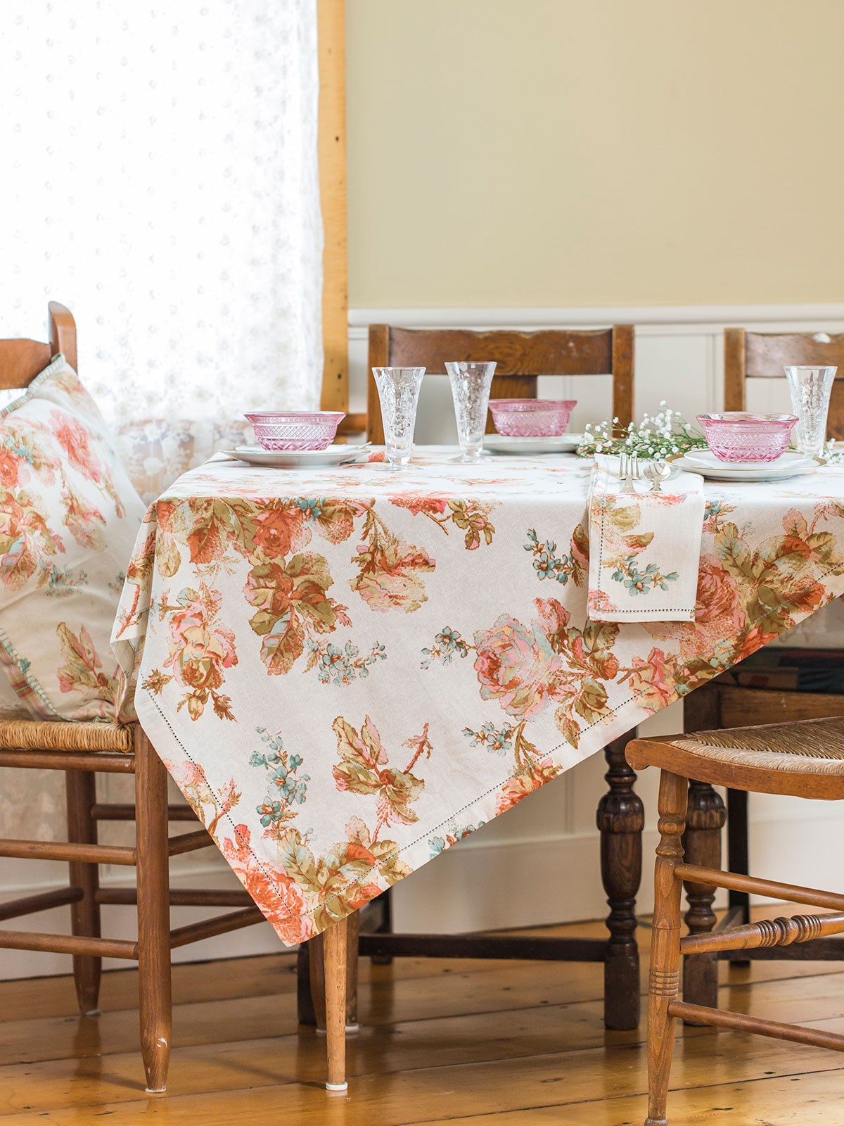 Victorian Rose Tablecloth Linens Amp Kitchen Tablecloths