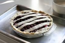 making-blackberry-pie-4
