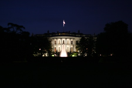 white-house-at-night