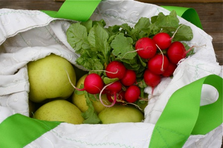 radishes-and-apples-from-the-farmers-market