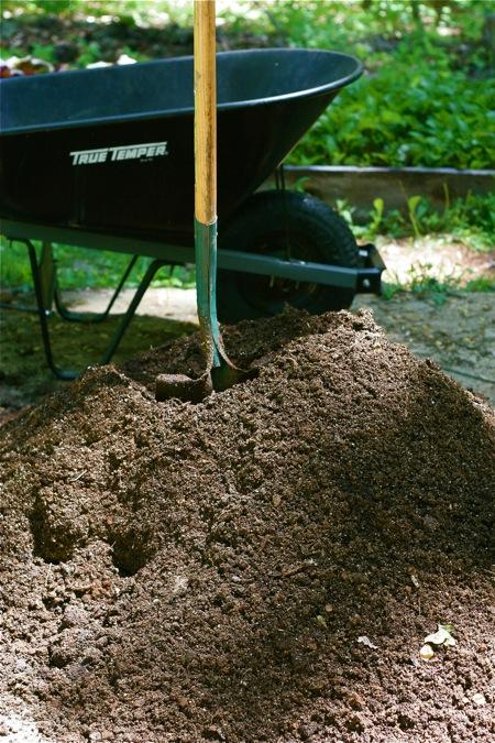 mixing-up-potting-soil