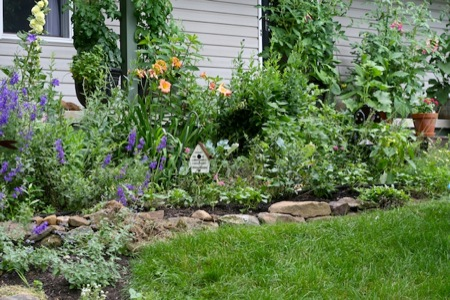 Front_Flowerbed