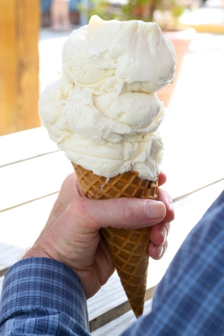 vanilla_ice_cream_cone