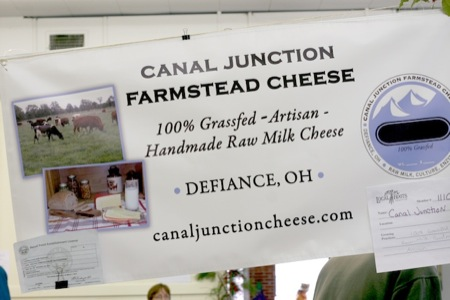 grass_fed_cheese_at_market