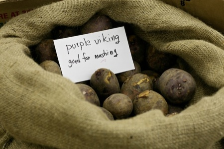 potatoes_at_market