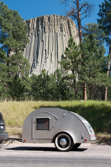 Tiny_trailer_at_Devils_tower