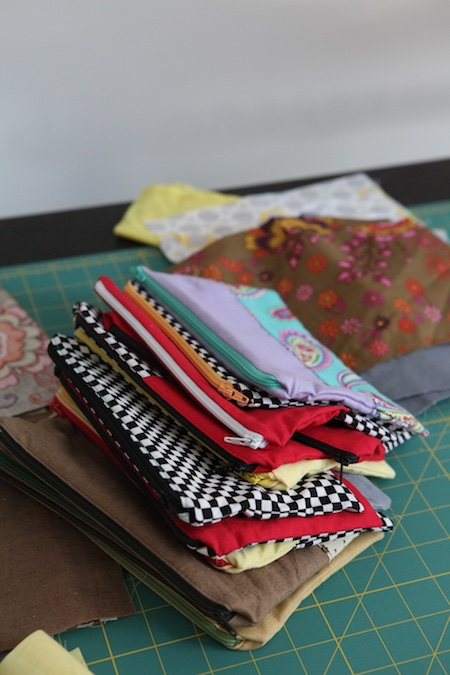 sewing-zipper-pouches-1