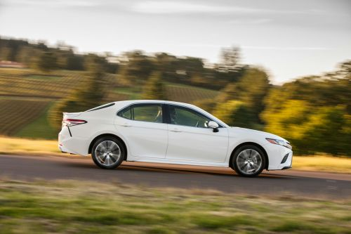 small resolution of 2018 toyota camry se 10