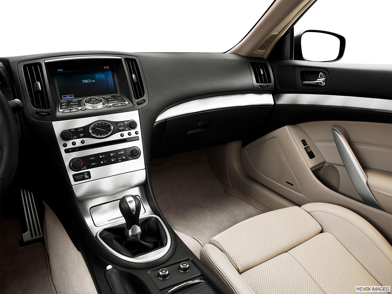 hight resolution of 2013 infiniti g37 coupe 2 door ipl rwd center console passenger side