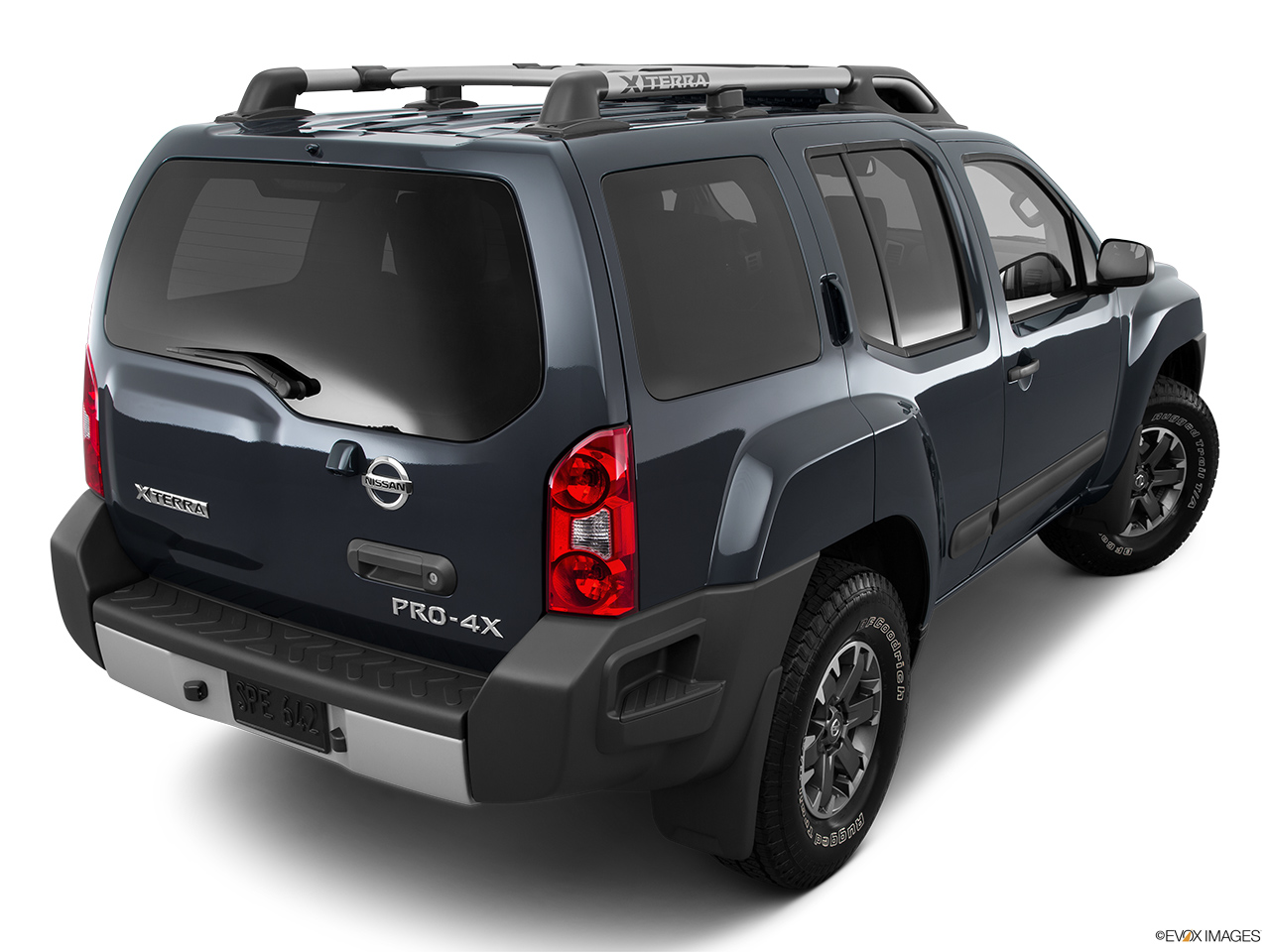 hight resolution of 2015 nissan xterra 4wd 4 door auto pro 4x rear 3 4 angle