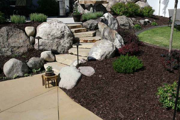 7 beautifully simple front yard