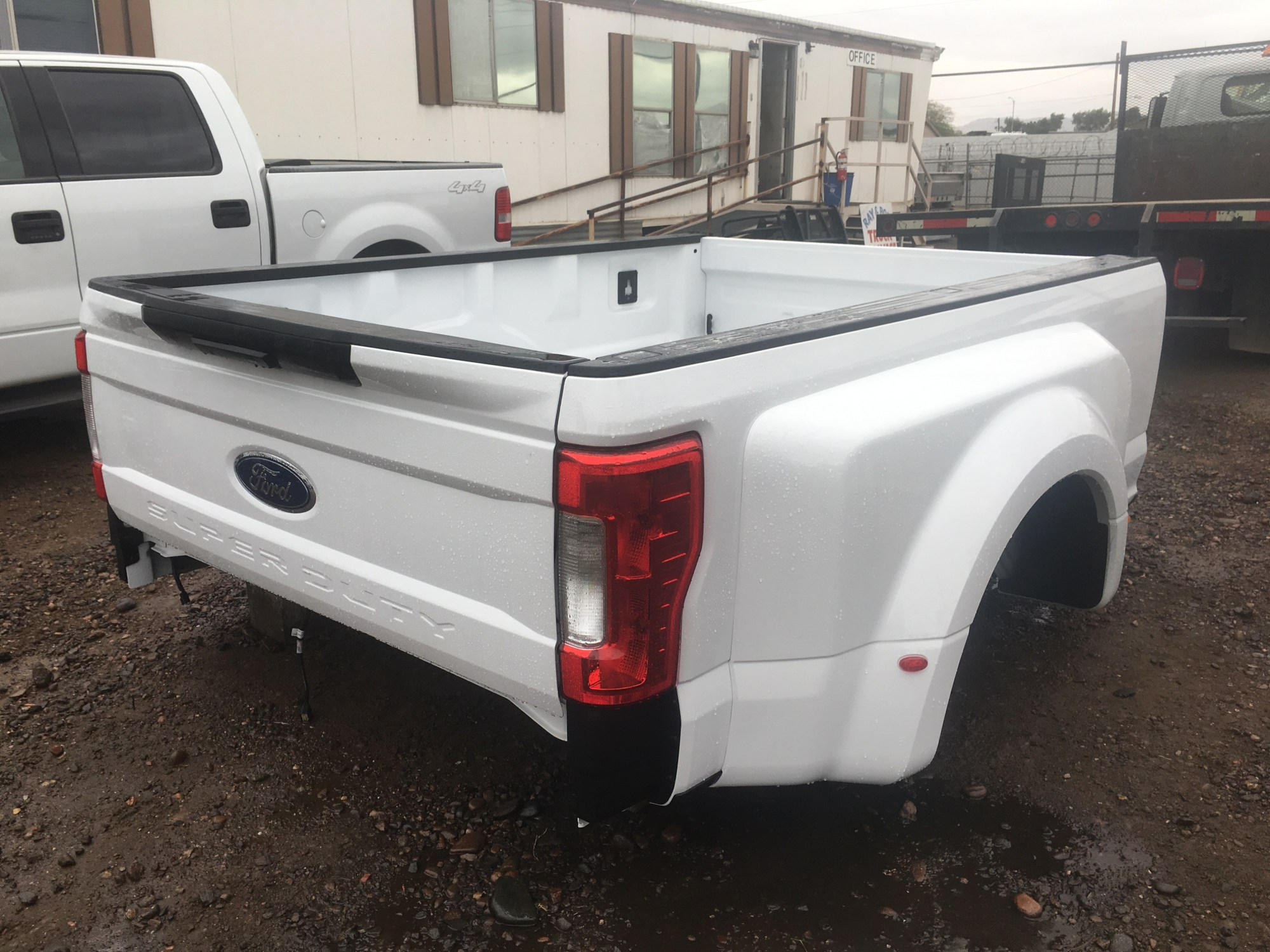 hight resolution of 2017 ford f 350 lariat
