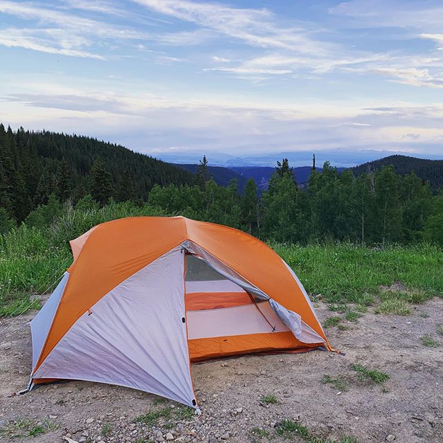 Not sponsored, but happy to rave about the @bigagnes_ Copper Spur UL 2. Freaking love this tent; best one I've ever owned.