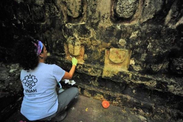 Palacio maya en la zona arqueológica de Kulubá. El hallazgo de vestigios materiales apuntan a dos fases de ocupación: una en el periodo Clásico Tardío (600-900 d. C.) y otra en el Clásico Terminal (850-1050 d. C.). Foto: Cortesía INAH Entérate más en https://bit.ly/35Zz8Hk