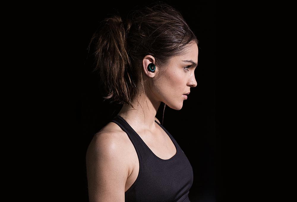 Skullcandy Iphone Wallpaper Bragi S Smart Headphones The Dash Go Beyond Sound To