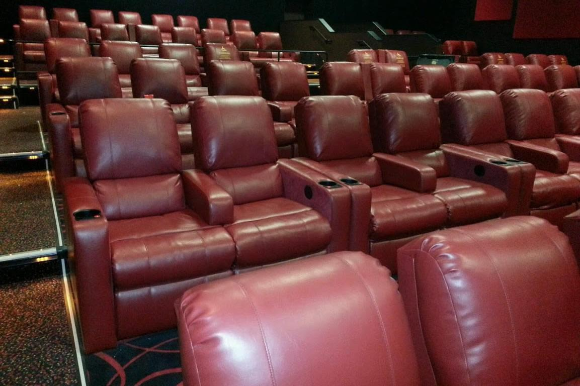 AMC to upgrade digital projection theaters with plush