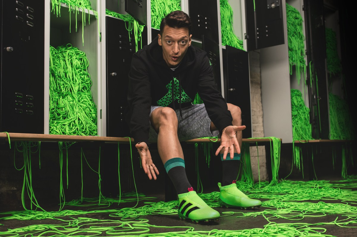 Image courtesy: http://www.digitaltrends.com/cool-tech/adidas-laceless-soccer-shoes/