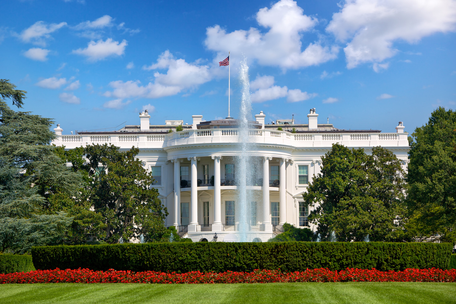 Only emojis were used to create this real estate listing for the White House