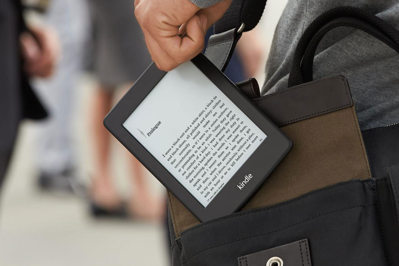 Amazon Kindle discount celebrates 10 years of its ebook reader