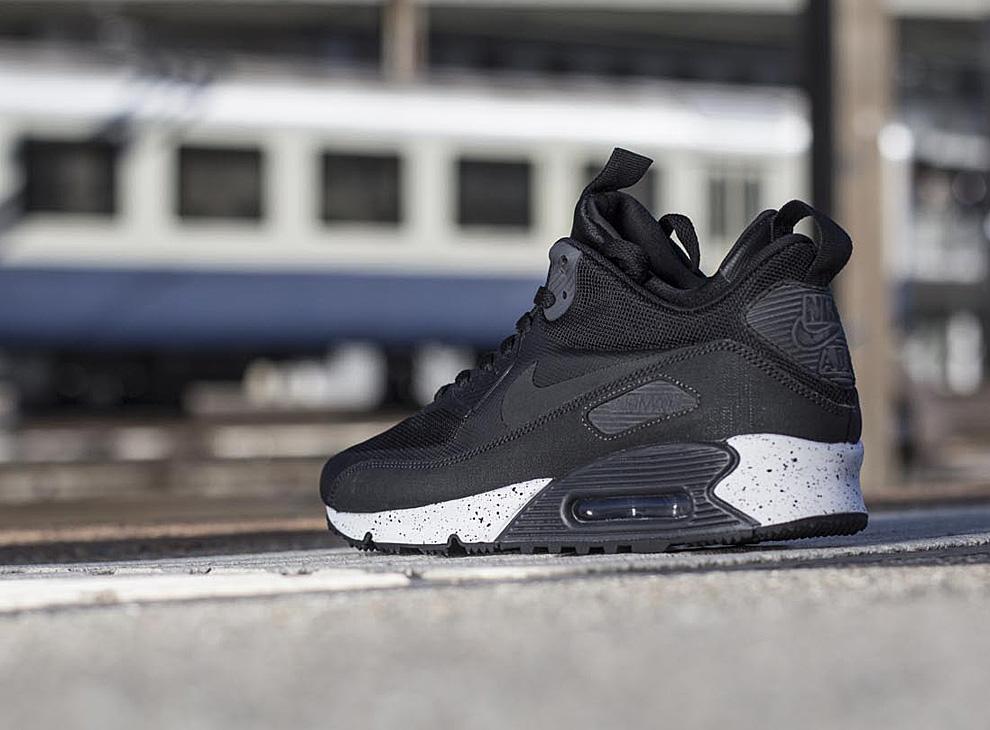 Women's Nike Air Max 90 Sneakerboot Winter Shoes BlackPink