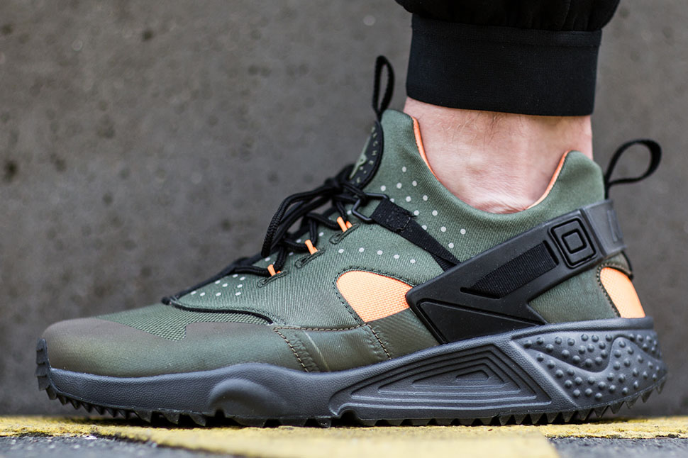 1854507b5883 ... where to buy green iridescent nike air huarache utility . b064a e49e2