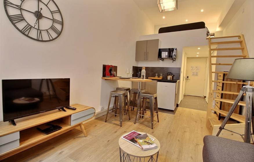 Short term rental Lyon 1 I Studio Le Petit Nid I VillaVEO