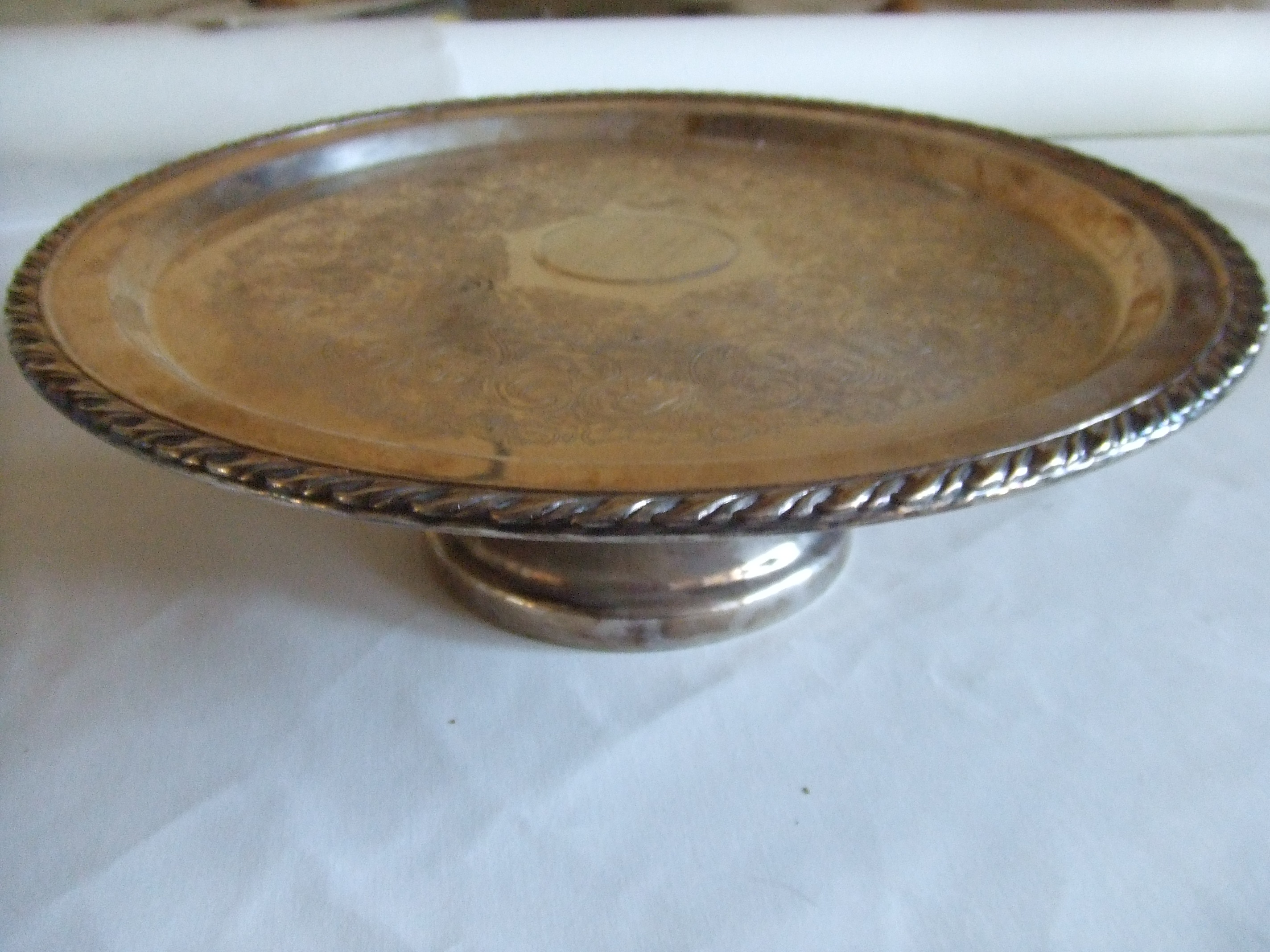 Pin Wm A Rogers By Oneida Silver Plated Pedestal Cake