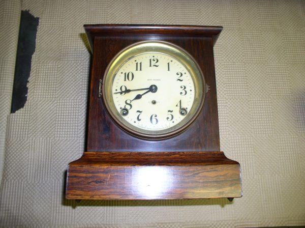 "Of Clock Seth Thomas Mantle Clock. Deminsons 9.5""high"