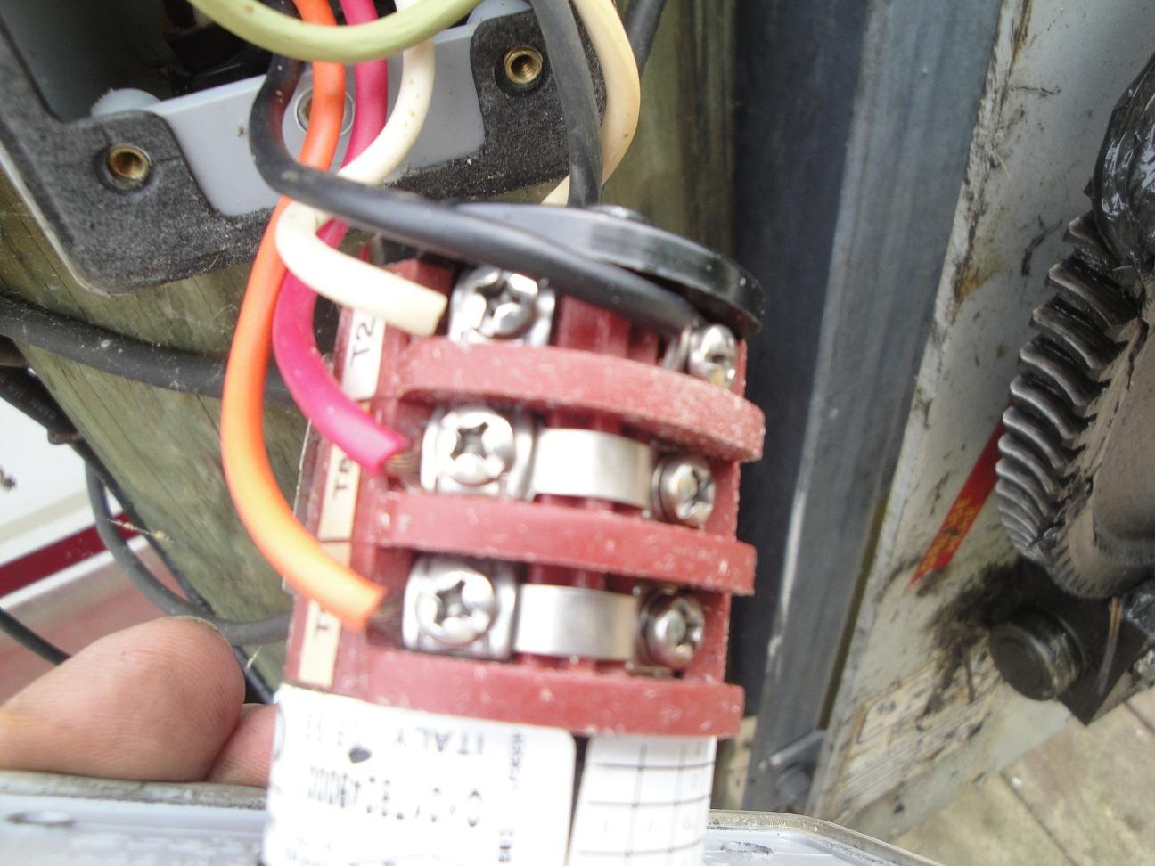 Am Trying To Wire A Leeson A4c17dh4h To My Boat Lift Controller