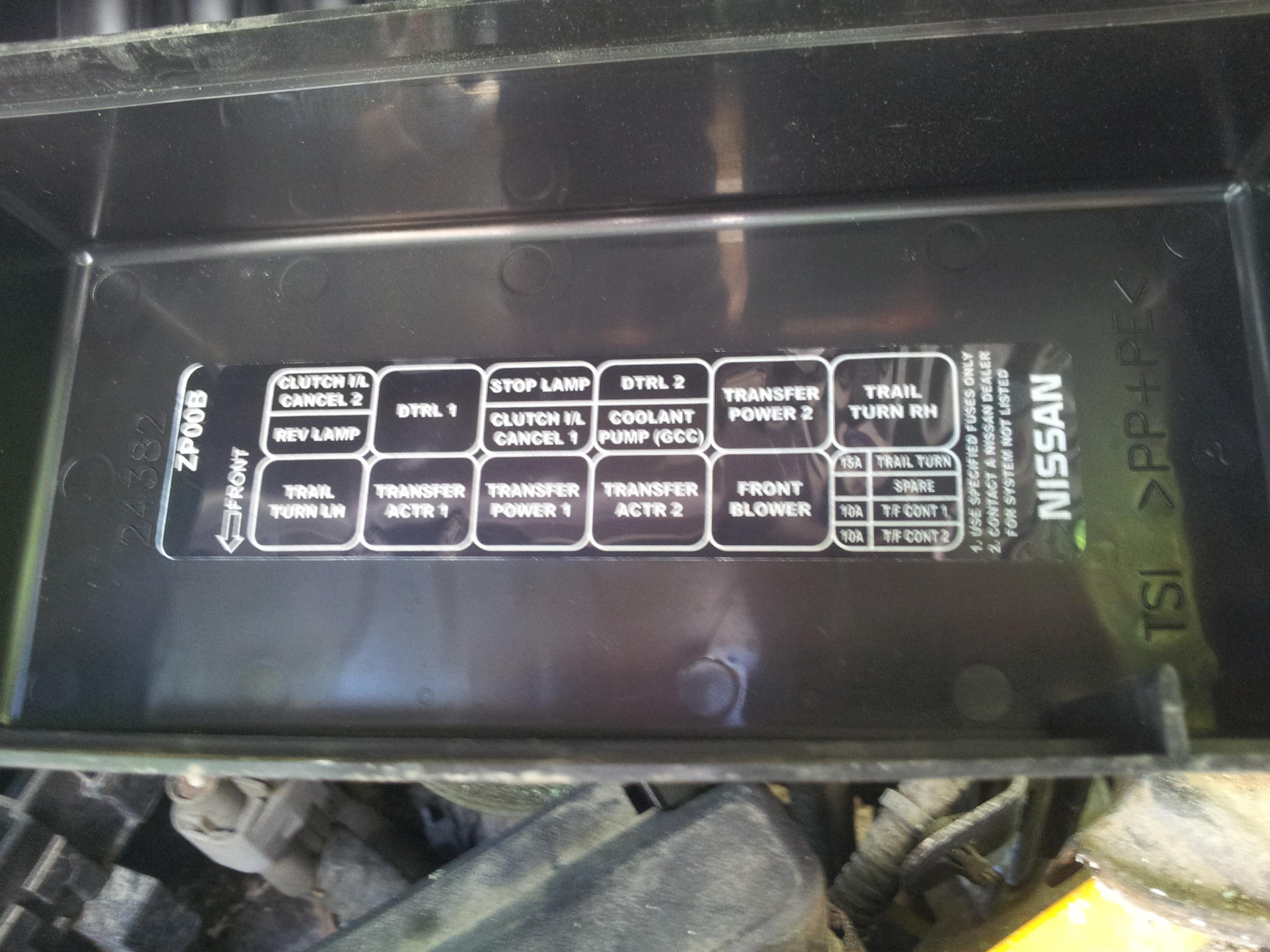 2000 maxima fuse box