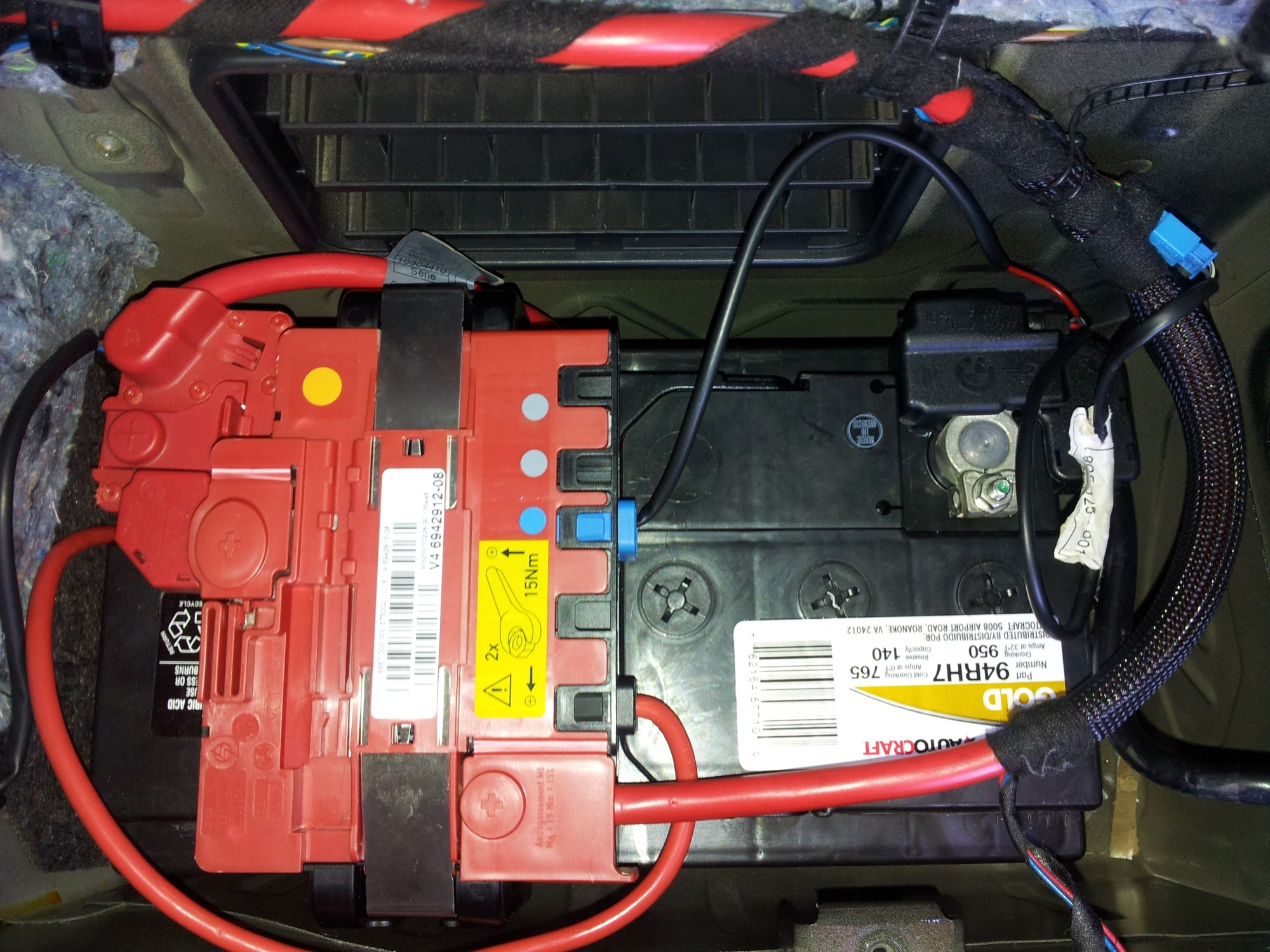 hight resolution of bmw 335i sedan 2007 bmw 335i sedan e90 the battery was 2007 bmw 335i fuse box